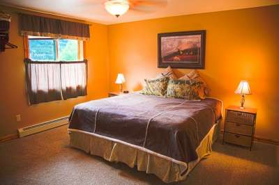 Two Twin Beds or a King in the third Bdrm/Sinopah