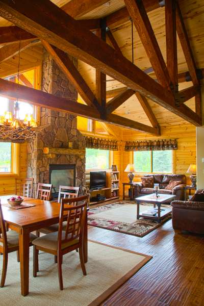 Rustic elegance with all the necessities: Satellite TV, internet, and lots of room.