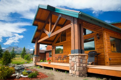 Lone Elk Lodge Vacation Rentals In East Glacier National Park, MT.